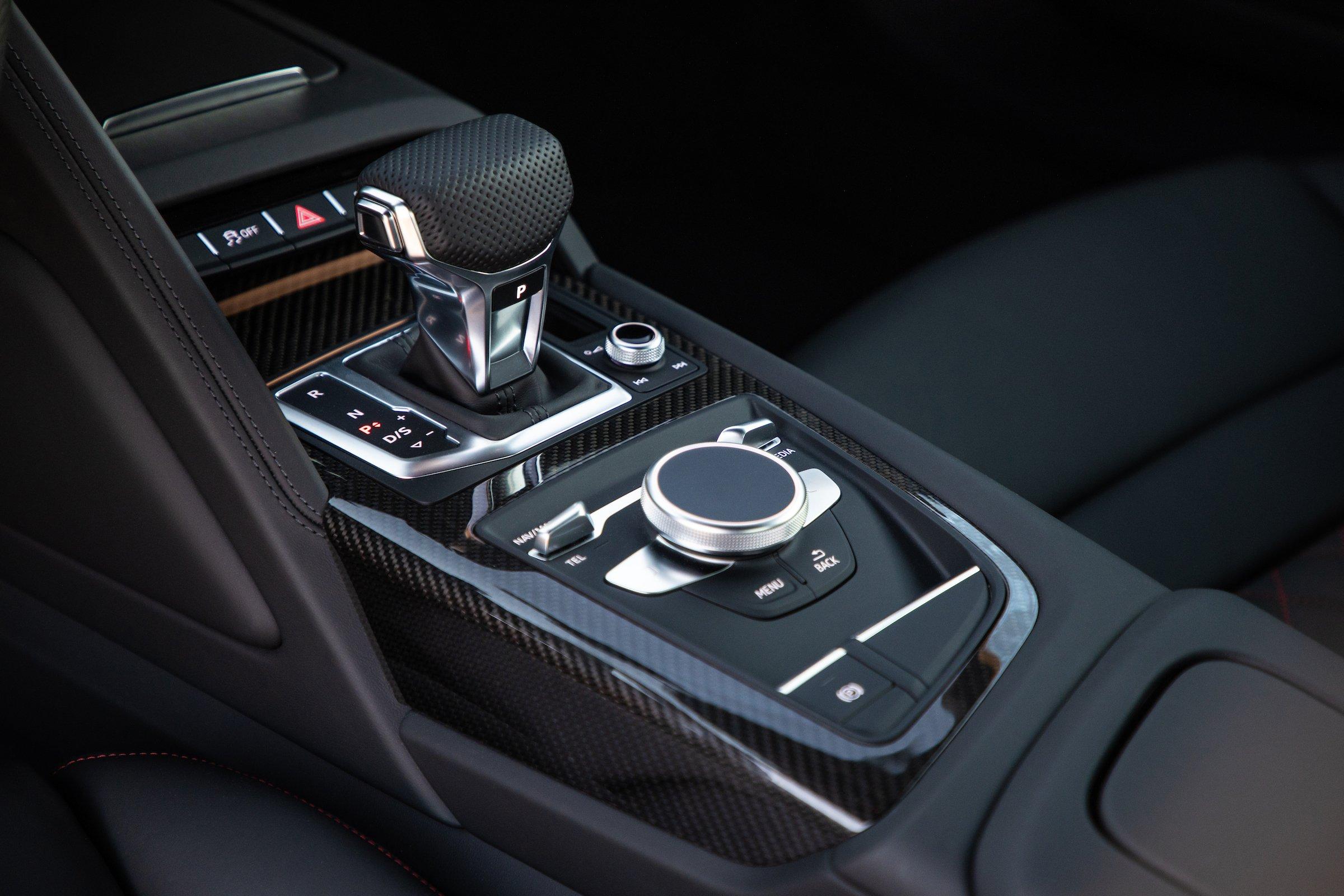 2020 Audi R8 Center Console