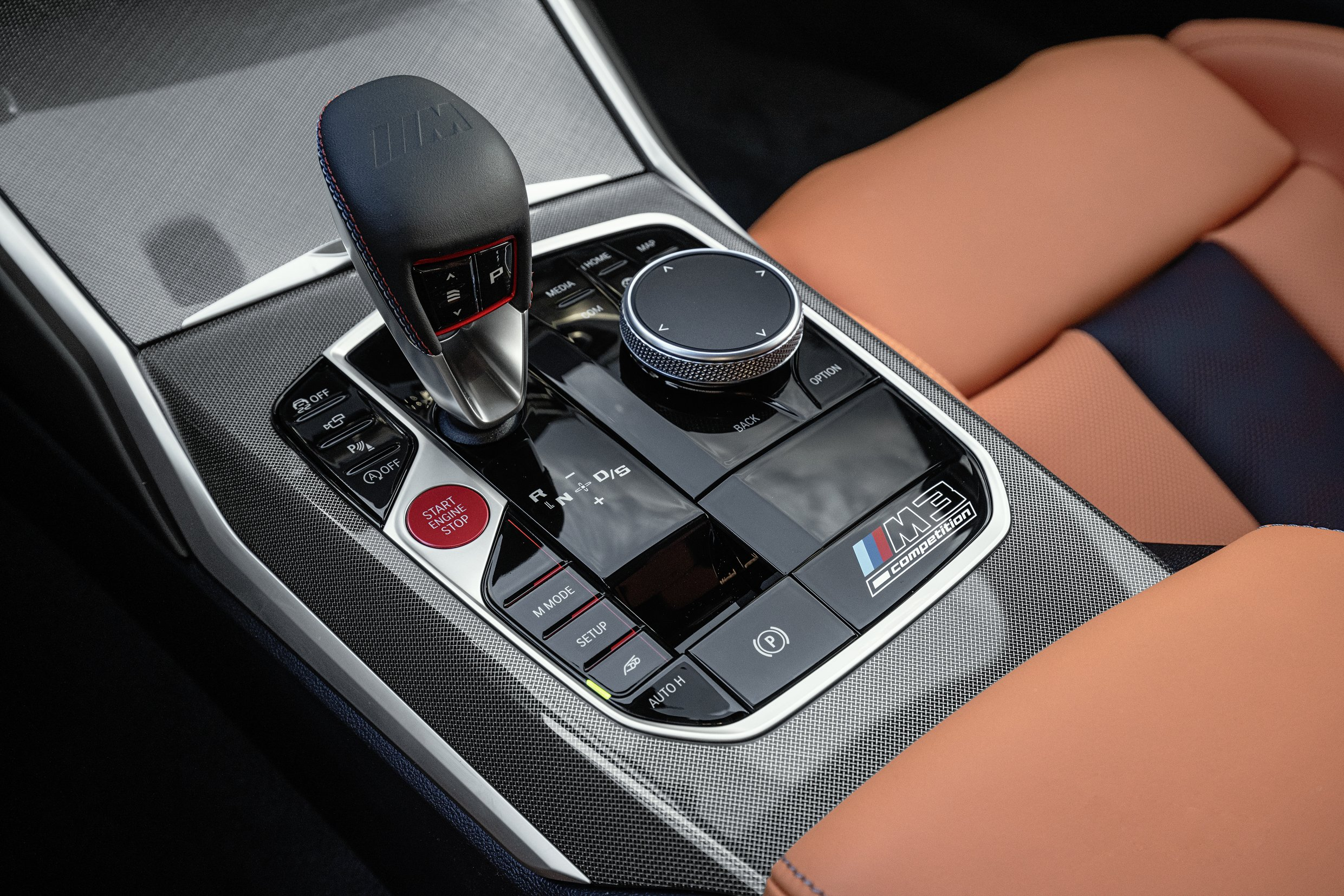 2021 BMW M3 Competition Console