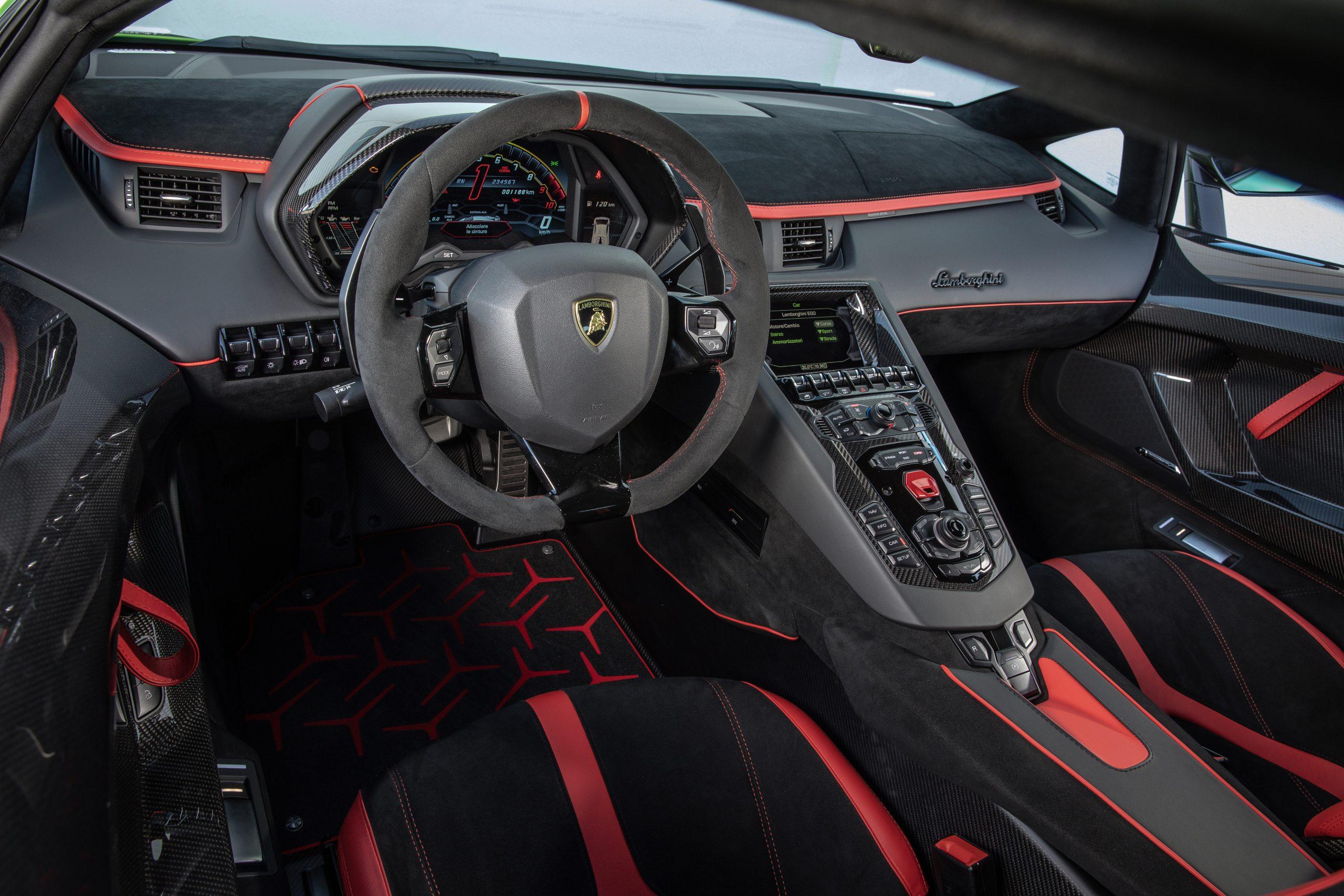 2021 Lamborghini Aventador SVJ Interior