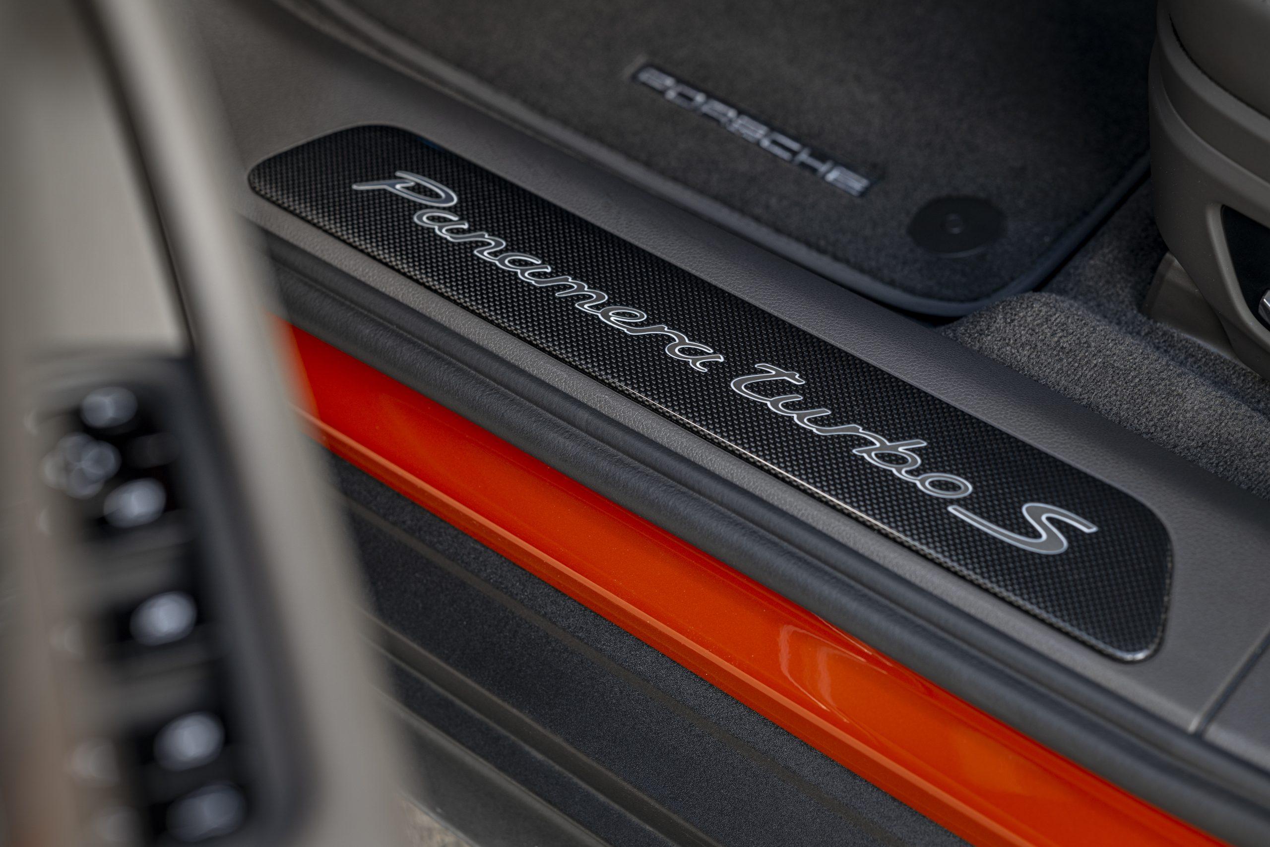 2021 Porsche Panamera Turbo S Door Sill